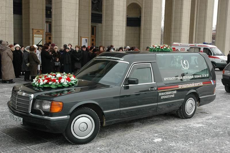 организация-похорон-катафалки13