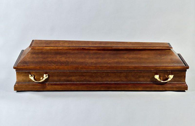 четырехугольный гроб
