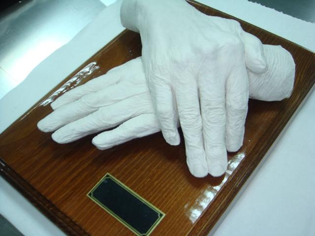 Изготовление посмертной маски и слепка рук