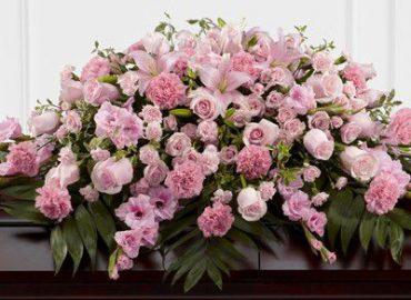 Какие цветы приносить на похороны?